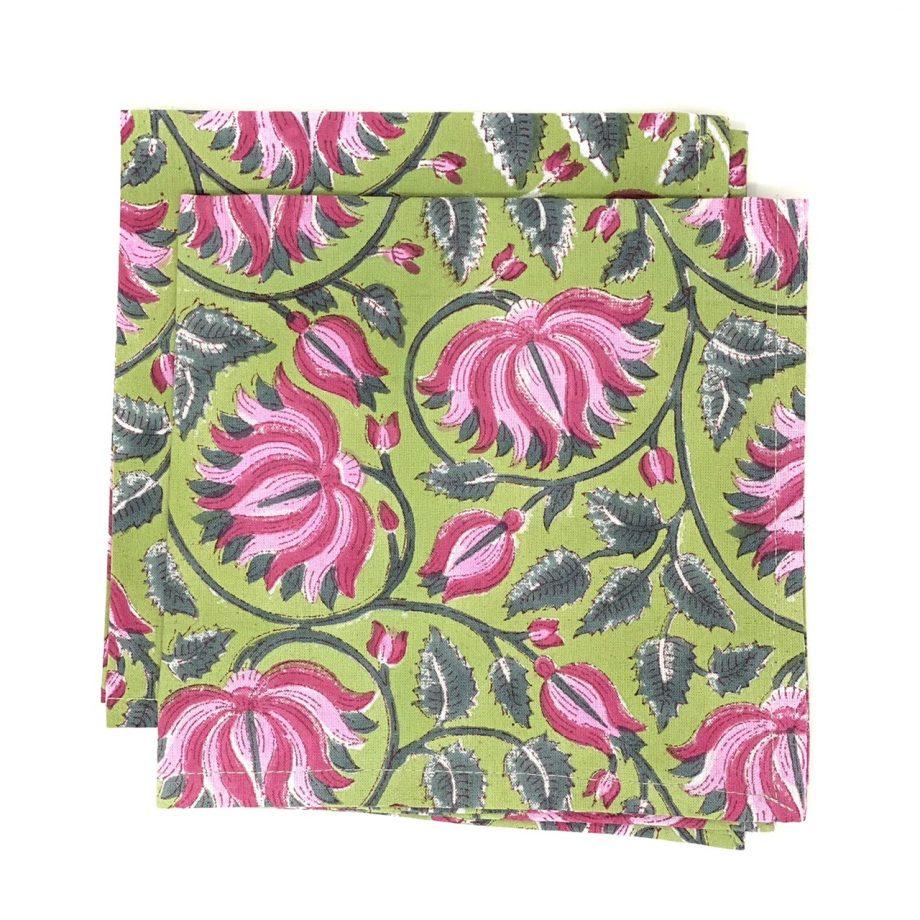Servilletas verdes flor fucsia